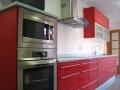 cocina-lacada-roja-encimera-silestone6